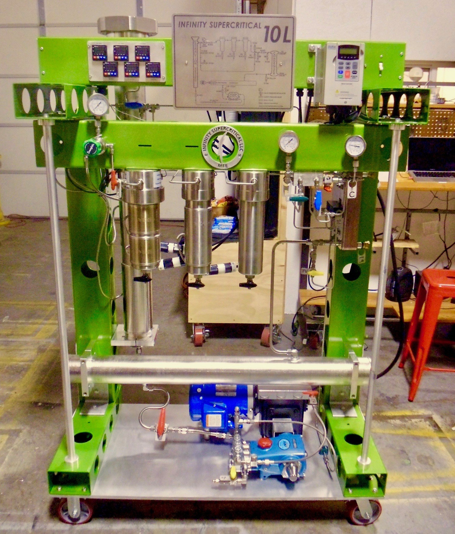 Supercritical CO2 extraction can be used to produce a full spectrum oil that can be bottled right from the machine.